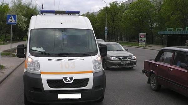 ВКременчуге скорая сбила 71-летнюю женщину напереходе