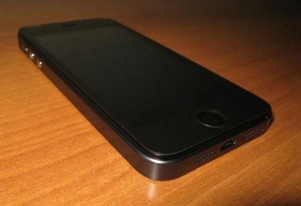 Жительница Горишних Плавней оставила иностранца без iPhone 6
