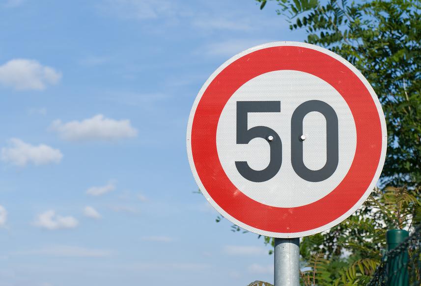 ВУкраине с1января вступят всилу новые Правила дорожного движения class=