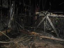 Пожарные считают, что детский павильон подожгли