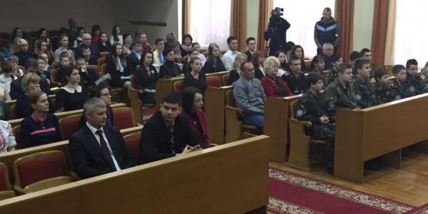 Вице-мэры Кременчуга дружно «работают» на уроке мира