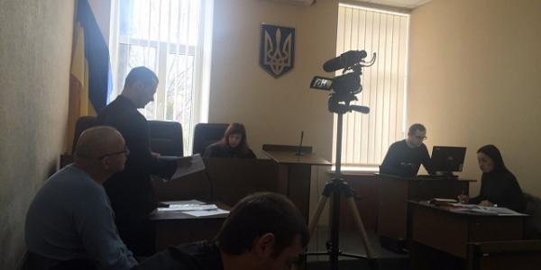 Автозаводский райсуд Кременчуга начал рассмотрение иска экс-главврача Третьей горбольницы Вадима Украинца