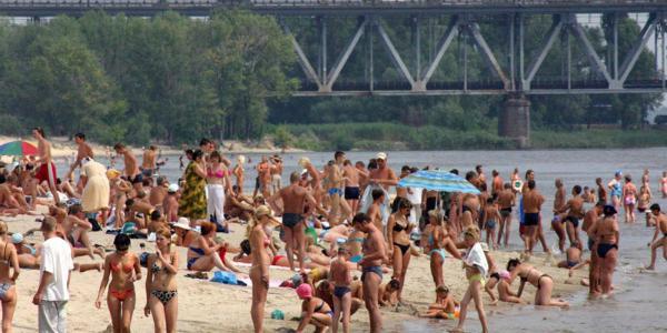В Кременчуге уже определили, где можно купаться