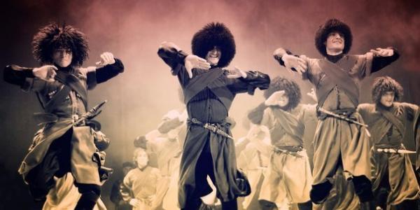 «Восьмое чудо света» в Кременчуге или Как грузины держат в плену мастерством танца