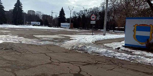 Вниманию водителей: возле мэрии Кременчуга открыли круглосуточный проезд