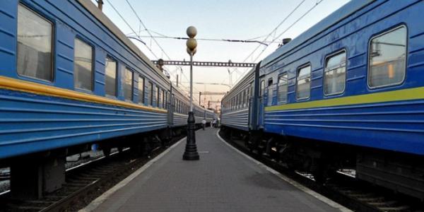 В пасхальные дни через Кременчуг курсирует дополнительный поезд Одесса-Харьков