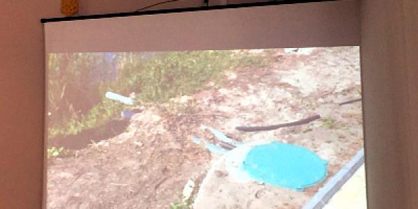 Возле аквапарка на Молодежном обнаружили стоки из туалета в Сухой Кагамлык
