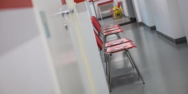 Мэр Кременчуга не готов дать посетителям свободный доступ в больницы