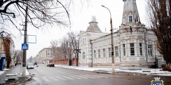 Кременчугские активисты бьют тревогу: исторический дом купца Чуркина – разрушается