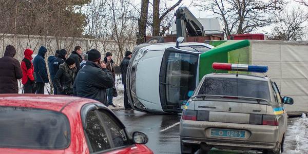 Со стороны Кременчуга, на подъезде к Власовке, перевернулся грузовик