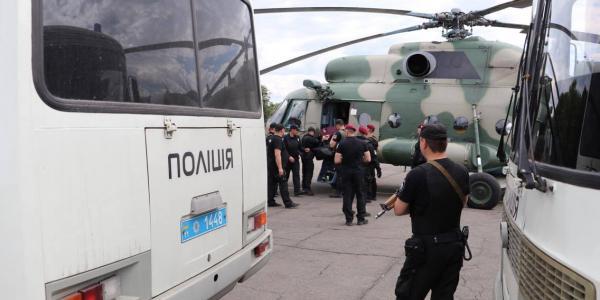 Правоохоронці обшукують податківців 15 областей, серед них є Полтавська.