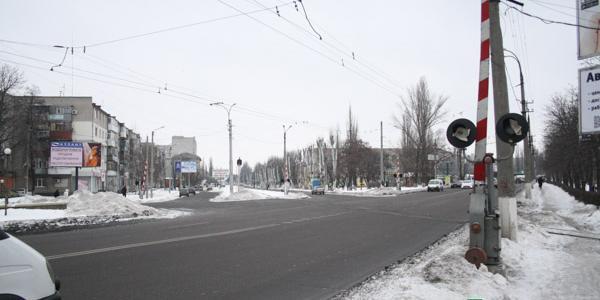 Вниманию водителей: на Халаменюка не работают железнодорожные светофоры