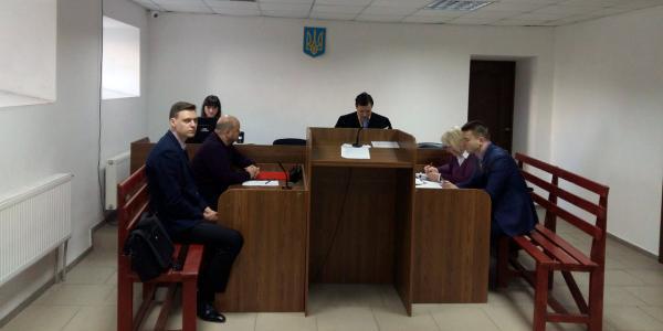 В деле о восстановлении Леошко, адвокат-истец Ульянов боится за свое сало?