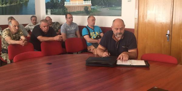 Видео того, как «сливали» Полякова: одни – он много делает для ветеранов АТО, вторые – он в городе сделал апокалипсис