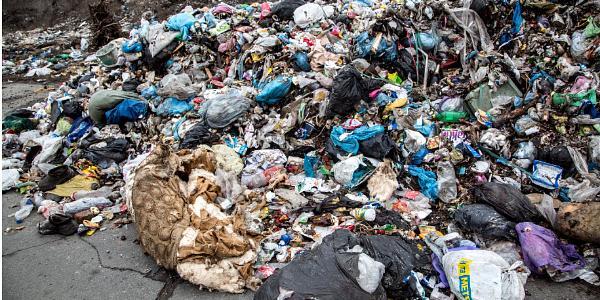 Львовский мусор теперь уже и в Горишних Плавнях