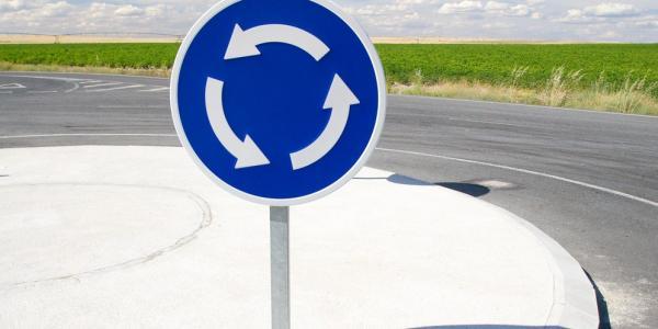 Изменен порядок проезда перекрестков с круговым движением