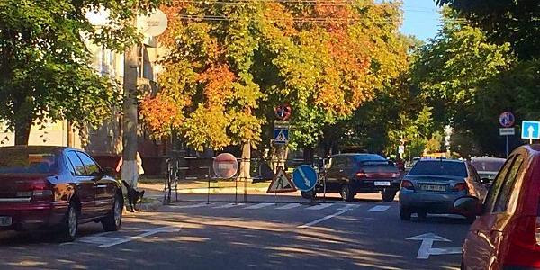 Малецкий игнорирует водителей – ямы на дорогах остаются, а деньги «Полтаваоблэнерго» могут «уйти» из города