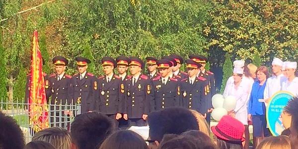 На митинге в честь Дня Мира в Кременчуге первым упал в обморок курсант военного лицея