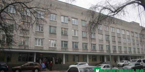 Наживо: мешканці Кохнівки вимагають обслуговування на території Центральної райлікарні
