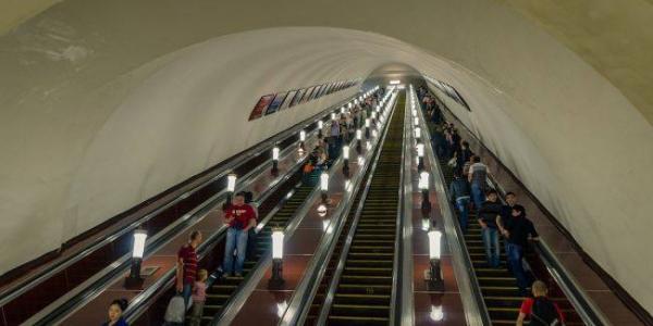 Крюківський вагонзавод постачатиме запчастини для ескалаторів для київського метро на понад 25,6 млн гривень
