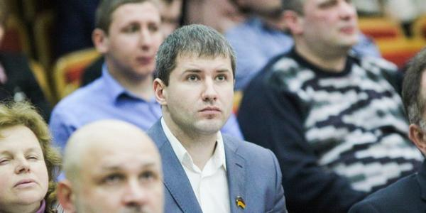Лидер радикалов Кременчуга Кавунник задекларировал робота-дрона, семь автомобилей и кучу недвижимости