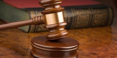 Работницу банка, обокравшую пенсионерку, осудили условно
