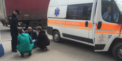 В Кременчуге возле центрального рынка ребенок внезапно выбежал на проезжую часть