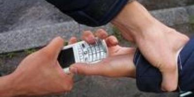 Воры мобильных телефонов действуют быстро