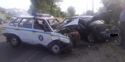 Автомобіль кременчуцьких поліцейських зіткнувся із ВАЗом: четверо постраждалих