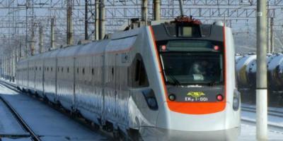 Сегодня в первый рейс выйдет поезд с вагонами-трансформерами Крюковского вагонзавода