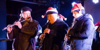 Новогодняя ярмарка в Кременчуге: играл оркестр – потухла елка
