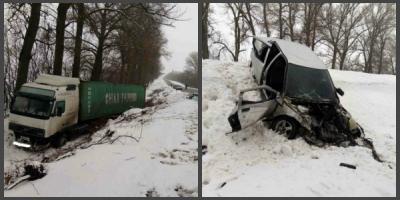 На трассе Полтава-Кременчуг столкнулись грузовик и легковушка – есть жертвы