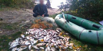 «Втрати» браконьєрів: близько 5 тисяч кг риби, 687 сіток та 40 човнів