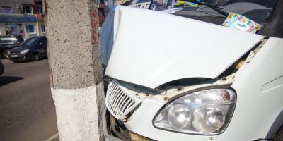 Водитель микроавтобуса водоканала погиб в результате ДТП
