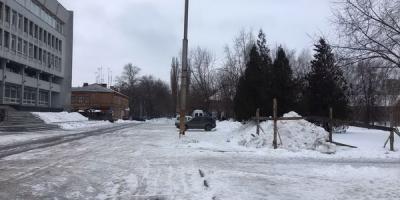 У власти Кременчуга нет авторитета средистроителей: месяц прошел, а забора все нет