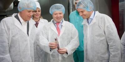 Посол Швейцарии в Украине Гийом Шойрер посетил Кременчуг и увидел, как делается качественная украинская колбаса
