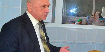 Скандал с назначением нового главврача роддома Кременчуга завершается предложением нынешнему главврачу работать до окончания контракта