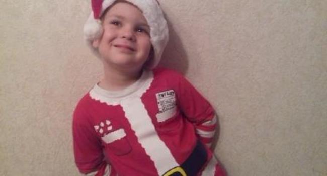 Маленький помощник Деда Мороза решил присоединиться к конкурсу