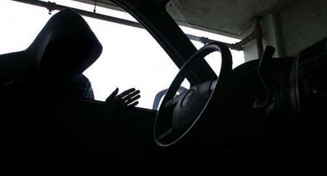Угонщиков автомобиля ВАЗ-2107 нашли, но арестовать не смогли