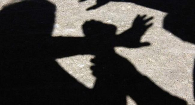 На улицах Кременчуга ограбили двух человек