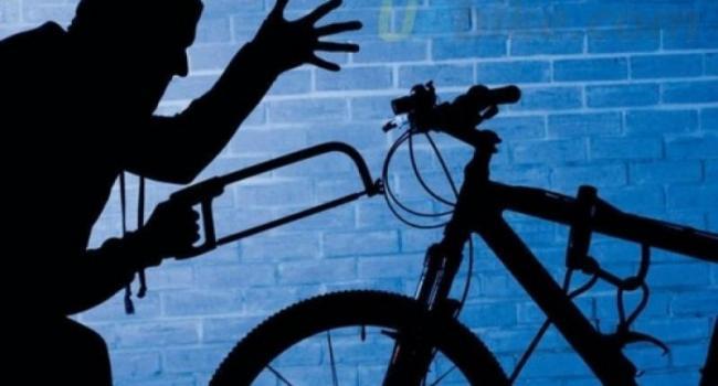 В Кременчуге за сутки «укатили» два велосипеда