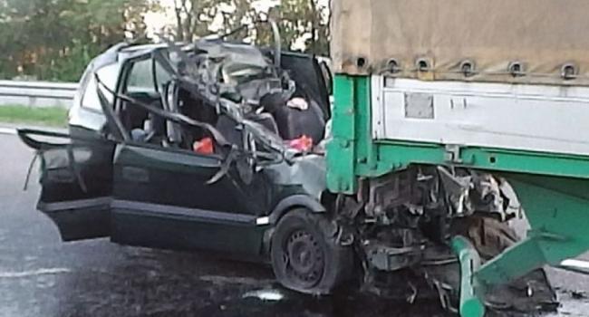 В ДТП под Хоролом погибло трое человек, а еще трое – в реанимации