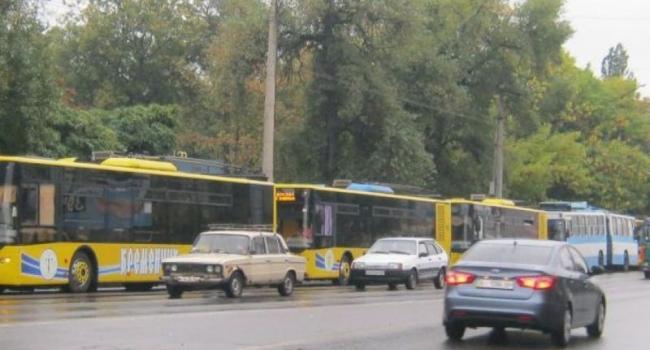 Из-за непогоды в Кременчуге остановились троллейбусы