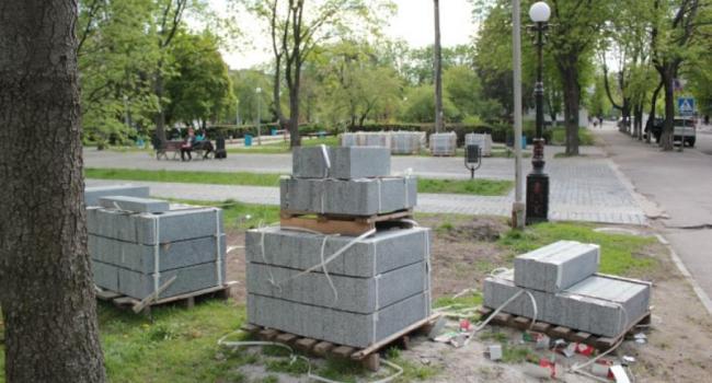 На окончание реконструкции сквера Бабаева власти направили два миллиона гривень