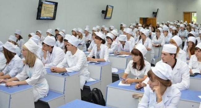 В Кременчуге к работе в медучреждениях привлекают интернов