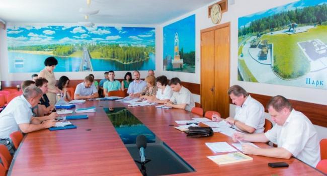 В Кременчуге депутаты решали кому бюджетные деньги нужнее