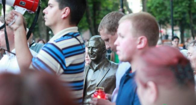 Кременчужане сказали «НЕТ!» демонтажу памятника Бабаеву