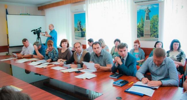 Депутаты горсовета хотят знать, как болеют чиновники мэрии, которым грозит увольнение