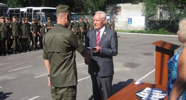 Кременчугских нацгвардейцев наградили знаком «За верность народу Украины»