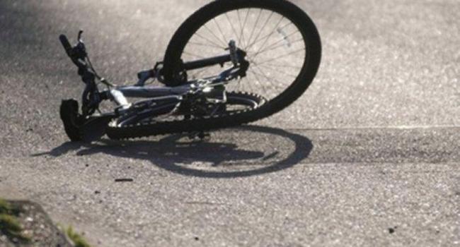 В Кременчуге велосипедист сбил ребенка и скрылся